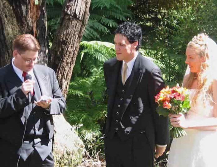 Lectura del primo de la novia