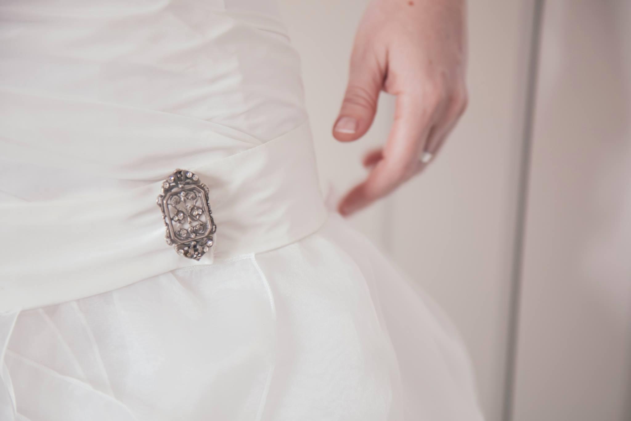 Detalle del vestido de la novia